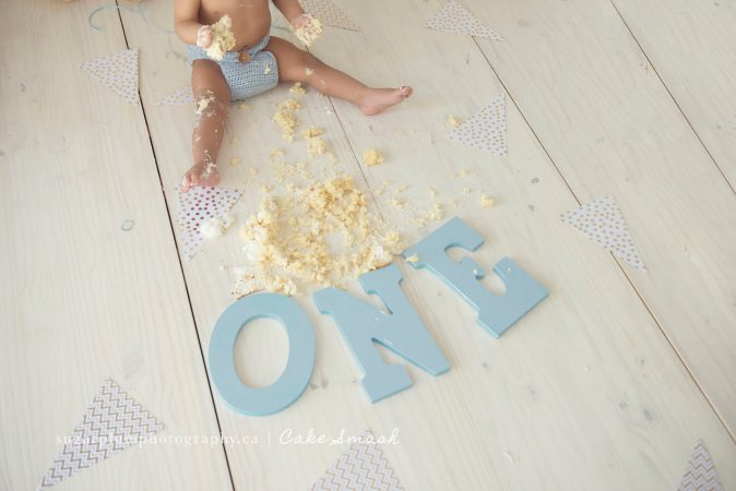 Cake mess with wooden letters