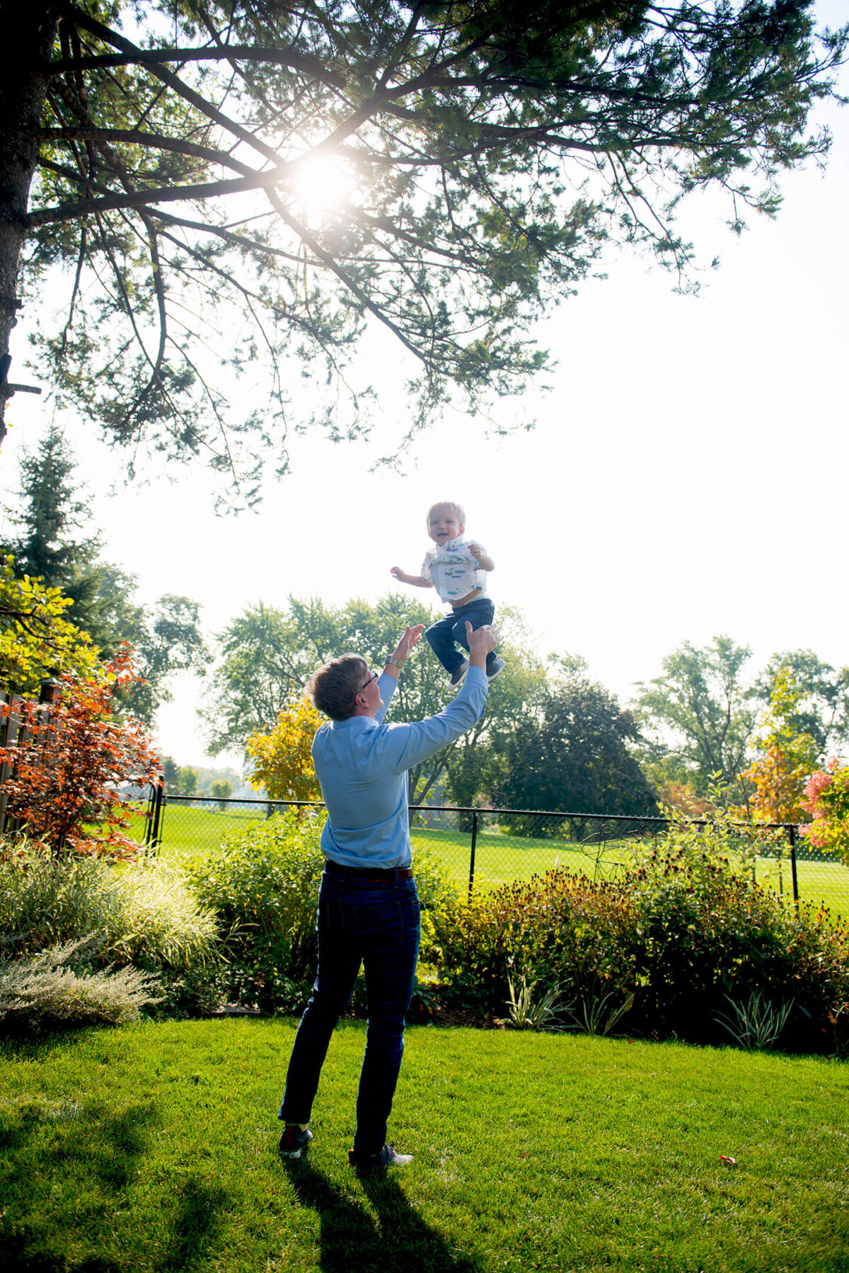 covid safe outdoor family session